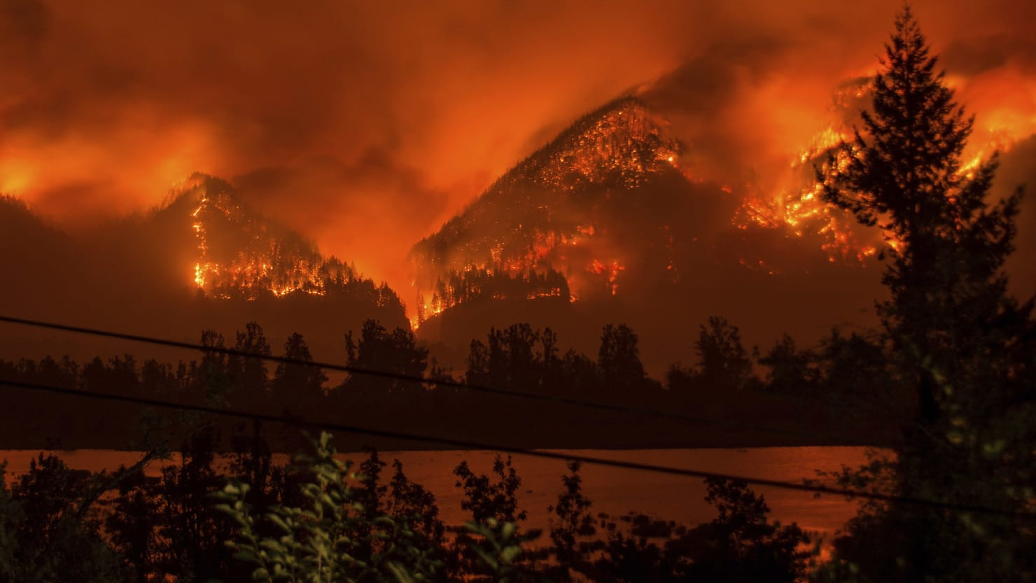 Feds running out of money to fight Oregon fires