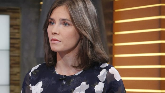 "Amanda Knox says she wants to go back to Perugia 10 years after the murder of her roommate to ""close the circle."""
