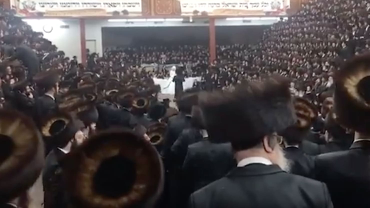 Hasidic NYC Synagogue Hosted Thousands in Secret for Rabbi's Grandson's Mask-Free Wedding