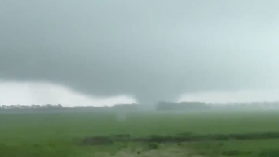 WATCH: Violent Tornadoes Wreck Homes, Kill 5 in Alabama