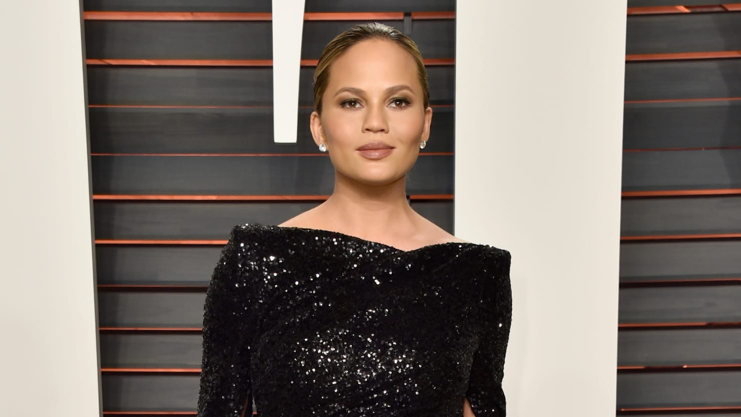 Chrissy Teigen's Miscarriage Unifies the Toxic Online Right