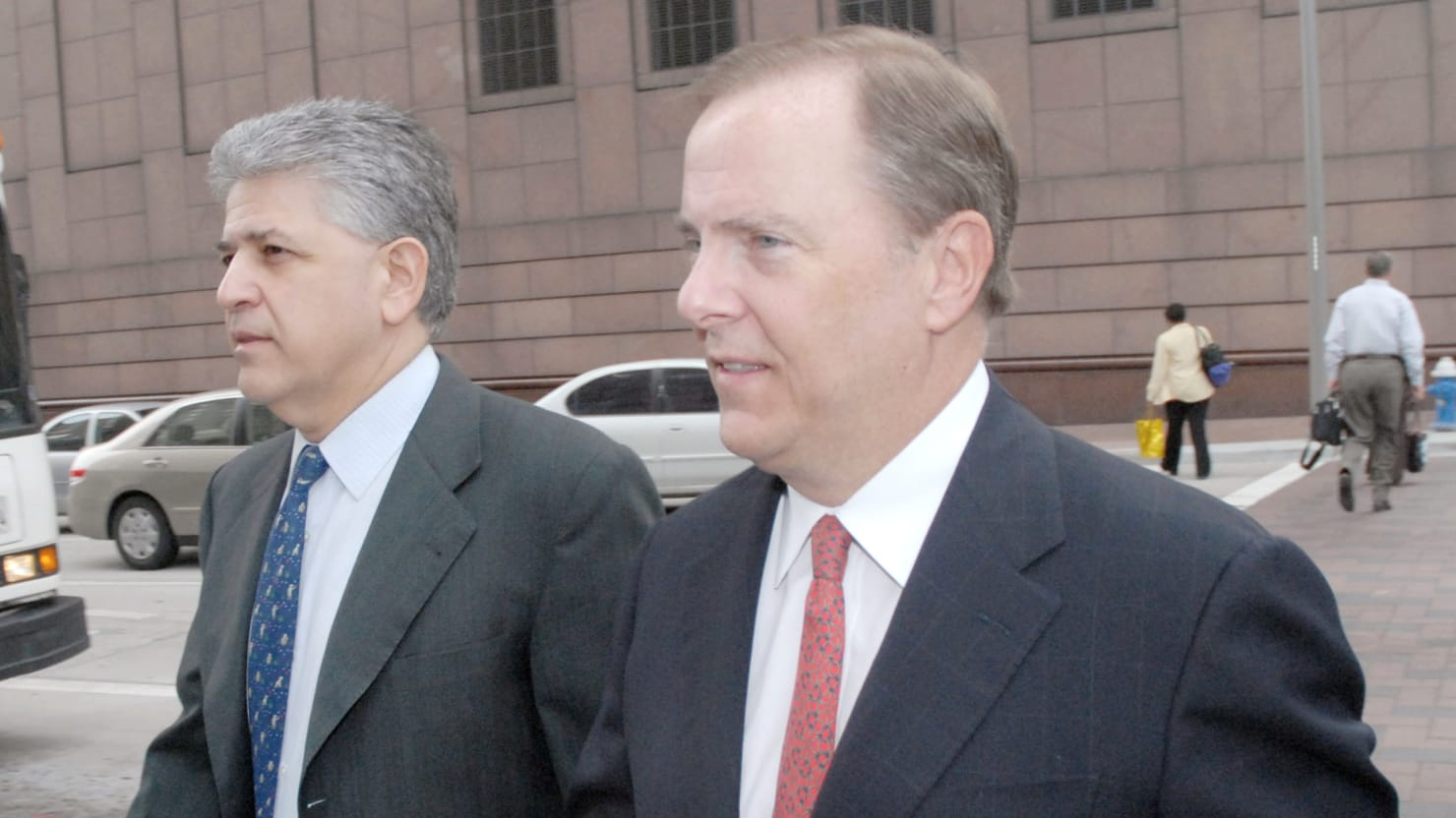 Disgraced Enron Chief Jeffrey Skilling Released From Custody