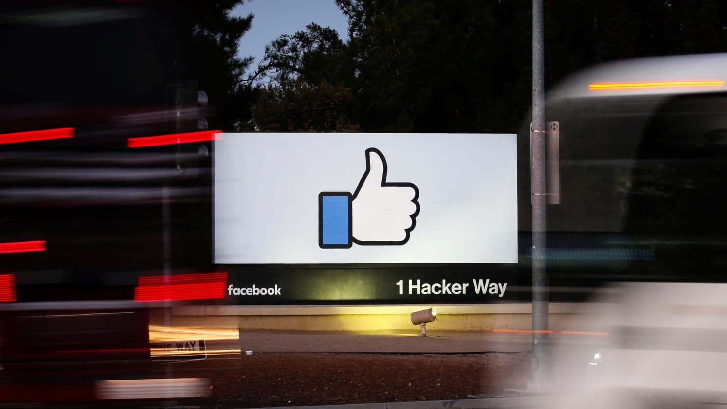 Facebook Tells Staff to Stay Away From its Silicon Valley Headquarters
