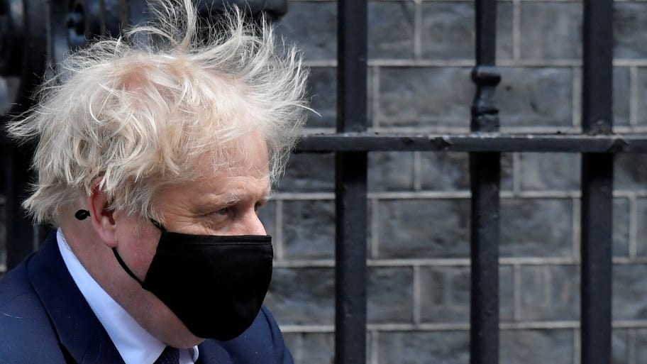 British PM Boris Johnson Wanted to Be Injected With Coronavirus on Live TV in Early Days of the Pandemic 'So Everyone Can See It's Nothing to Be Scared Of', Ex-Adviser Says