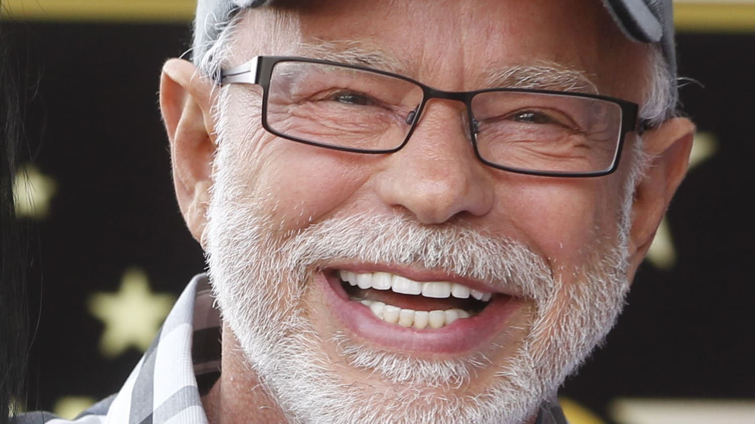 Jim Bakker Agrees to Pay $156,000 for Claiming Silver Solution Could Cure Coronavirus