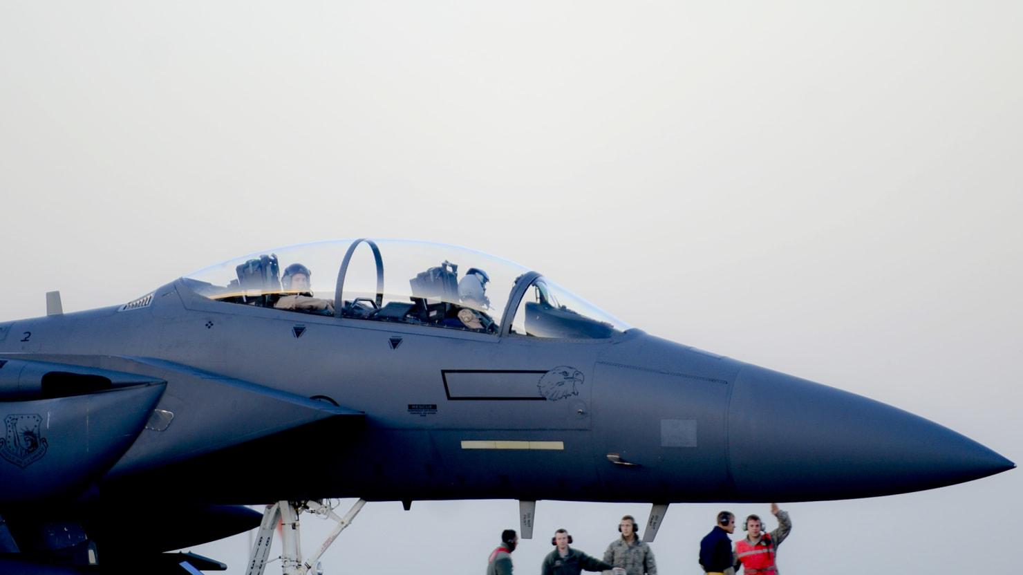 best dating a military pilot training vs civilian