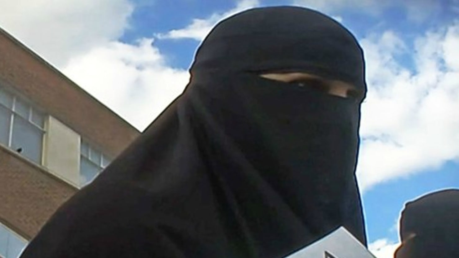 How ISIS Is Recruiting Women in London