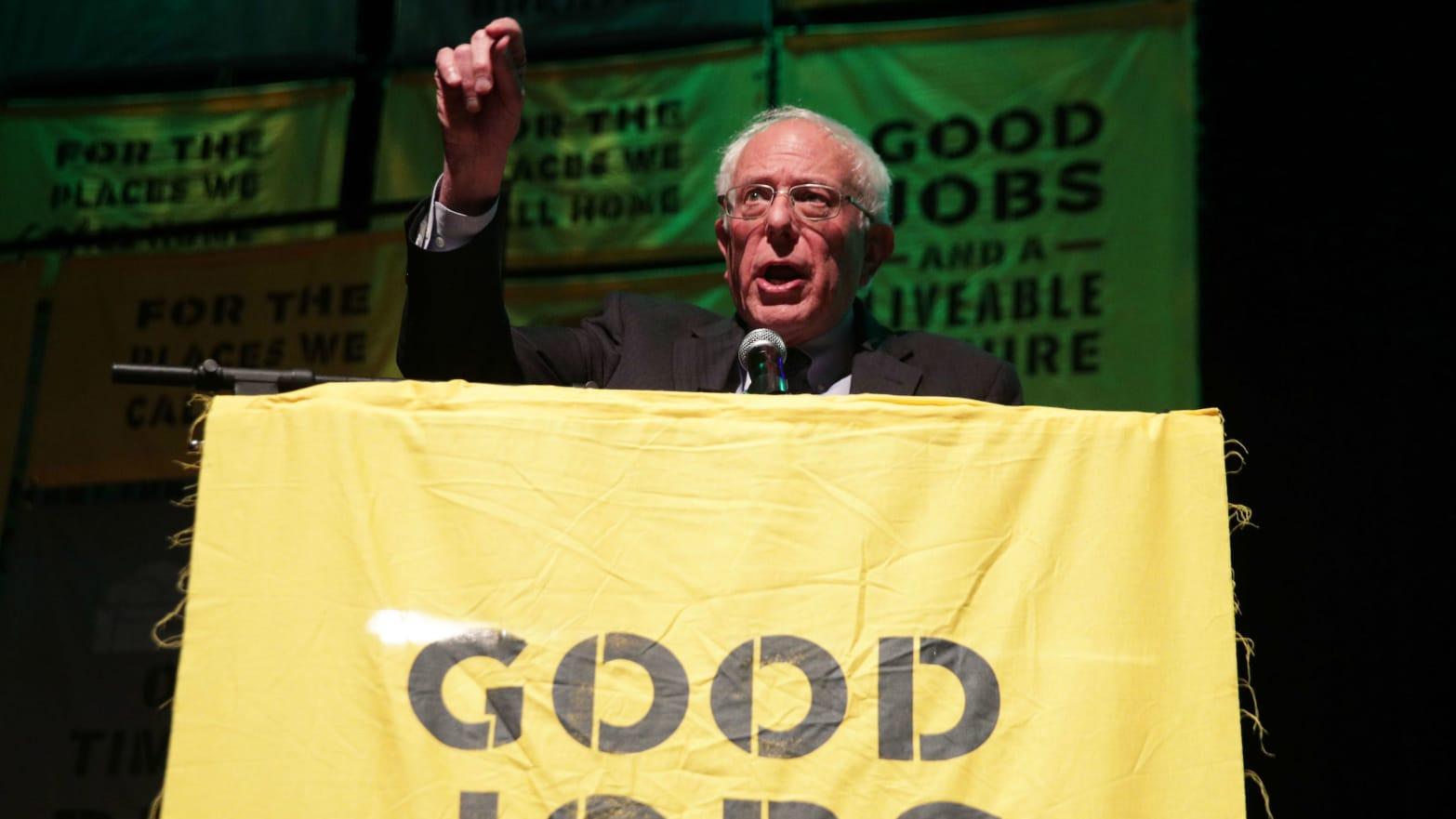 Bernie Sanders Calls for Ban on For-Profit Charter Schools, $60K Minimum Salary for Teachers