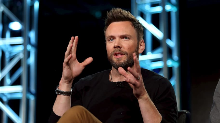 Joel McHale to Launch Weekly Late-Night-Style Show on Netflix