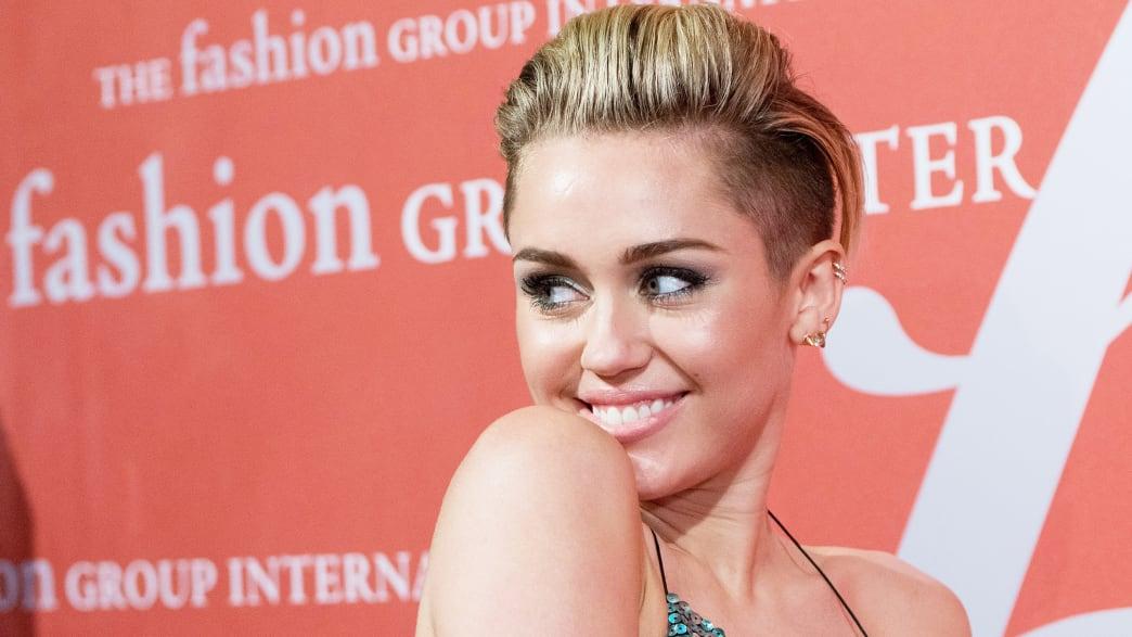 Miley Cyrus Did Not Diss Beyonce in 'LOVE'; Former Louis Vuitton CEO Receives Legion D'Honneur