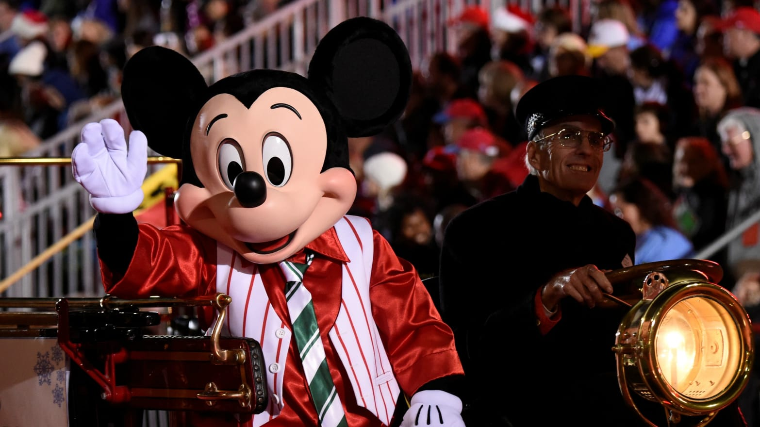 Hollywood Christmas Parade.Live Stream The 2016 85th Anniversary Hollywood Christmas Parade
