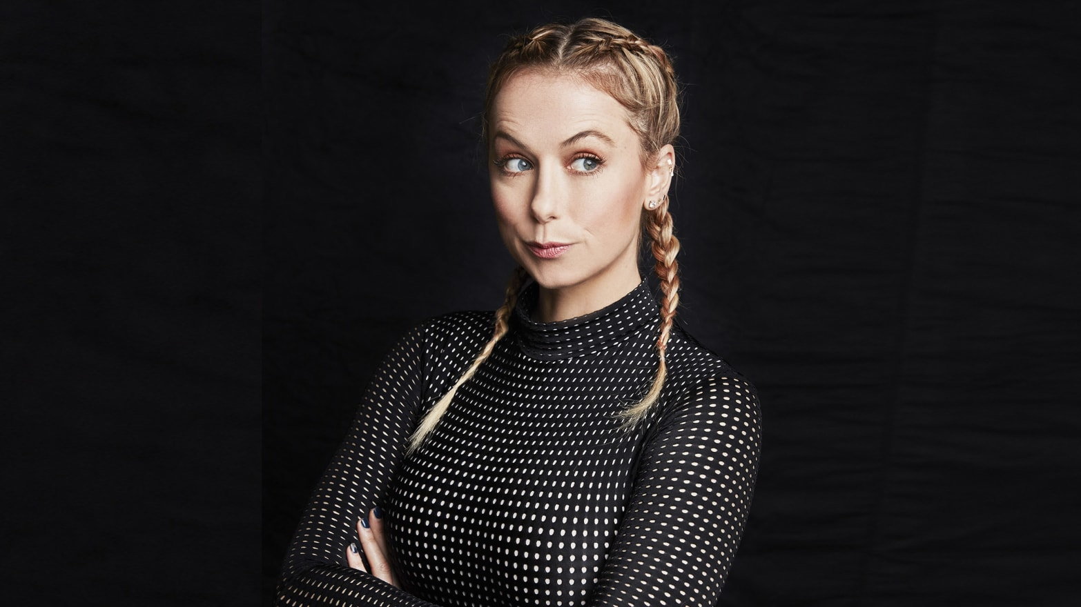 Iliza Shlesinger Is About to Be a Pretty Big Deal—and It's ...  Iliza Shlesinge...