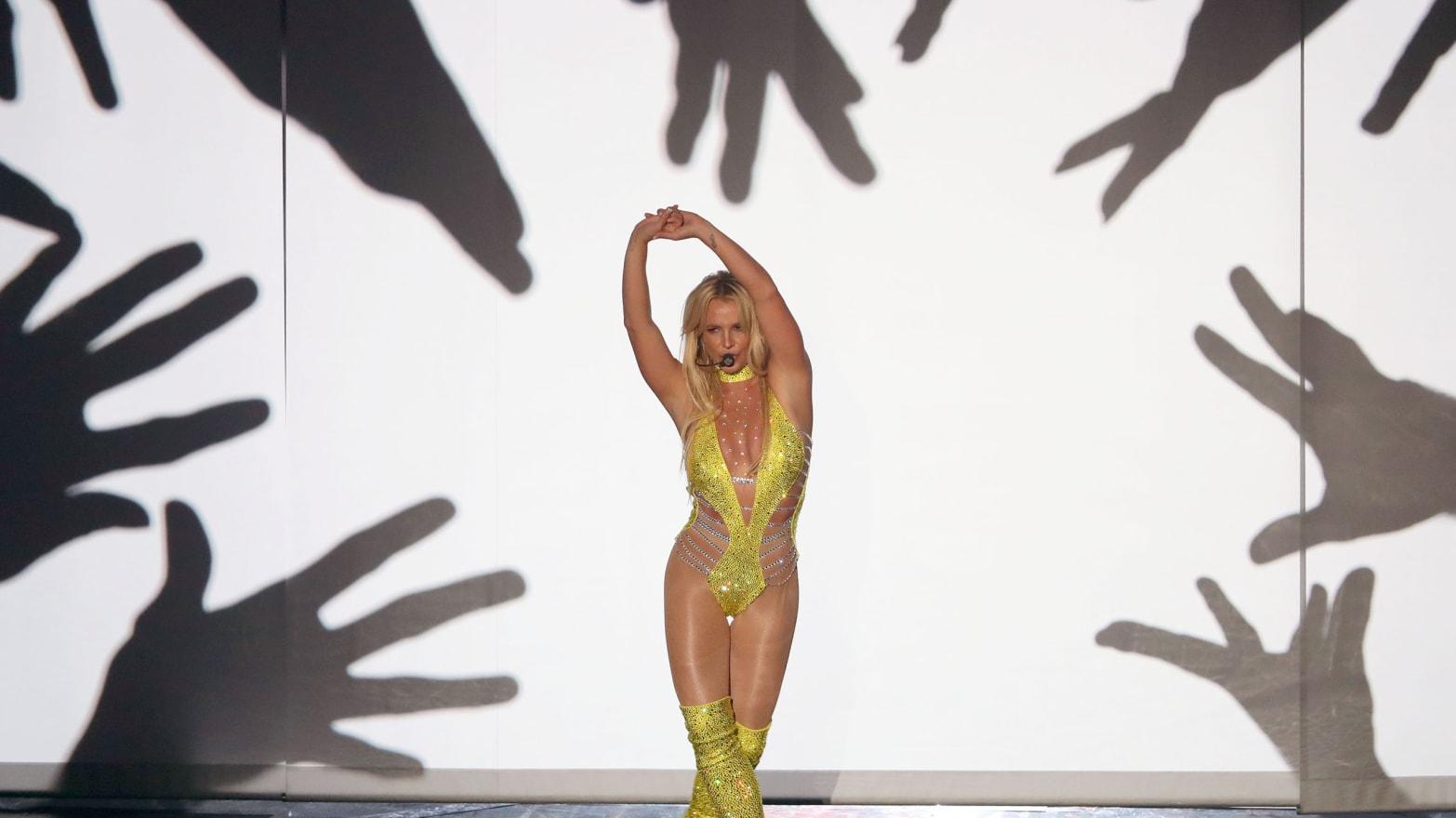 Britney spears hook up live