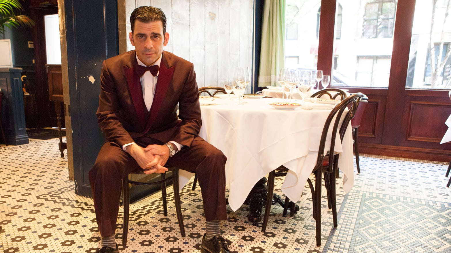 7dad90ddf9121 NYC Eateries Where Your Waiter Dresses Better Than You Do