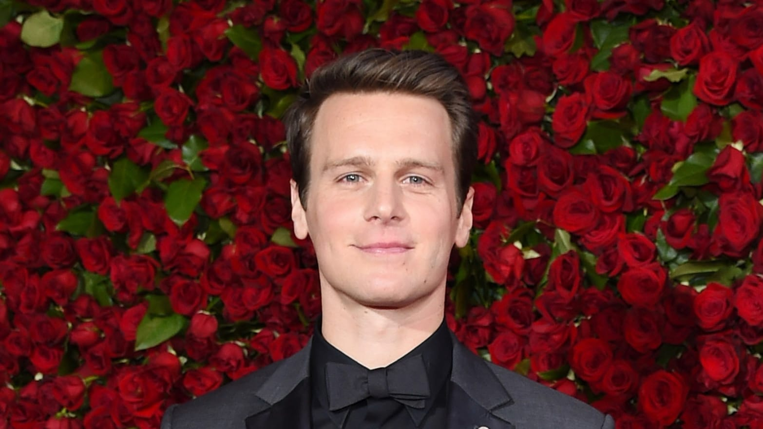 jonathan groff - photo #16
