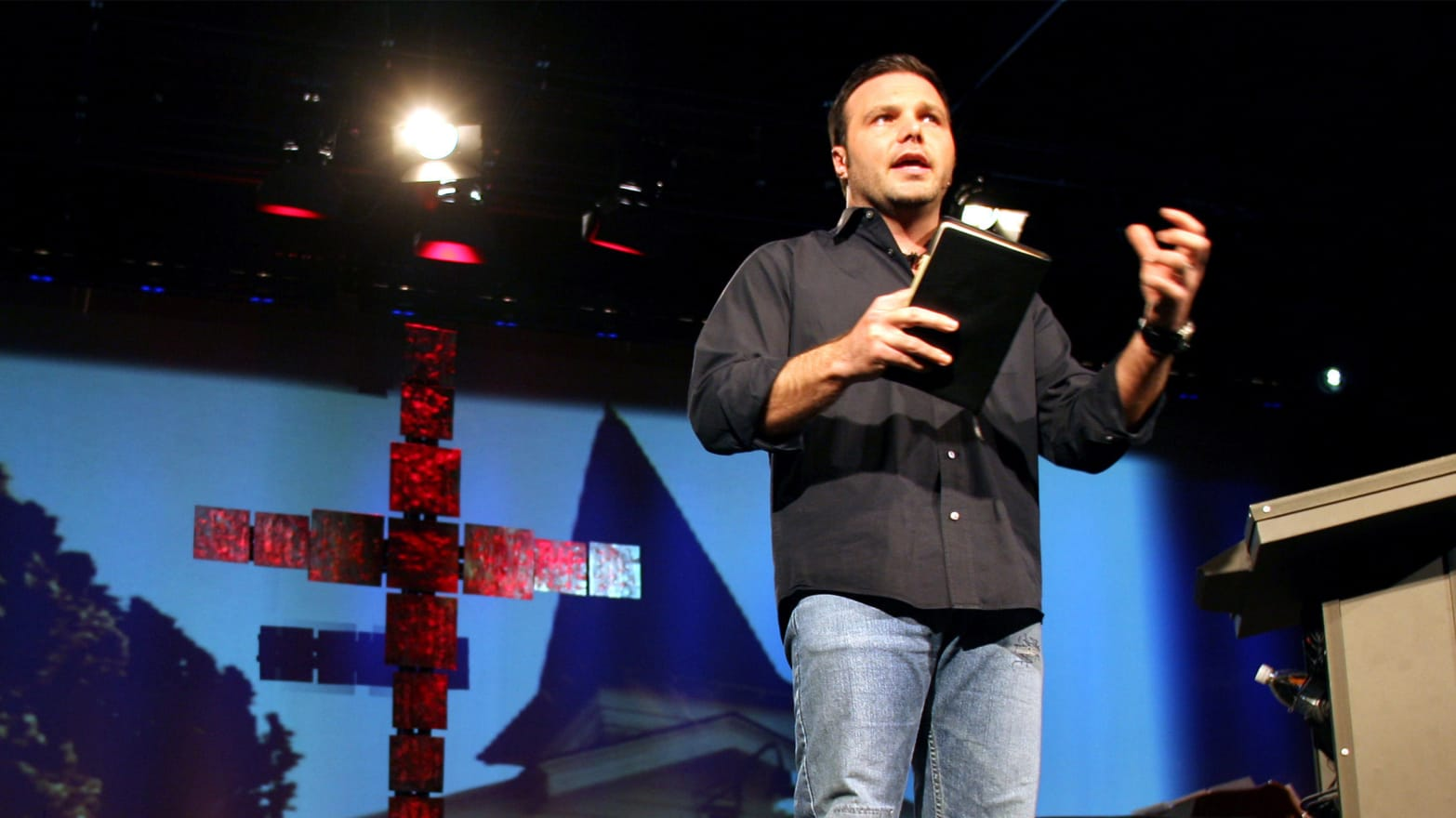 Controversial Megachurch Pastor Mark Driscoll Finds a New Flock