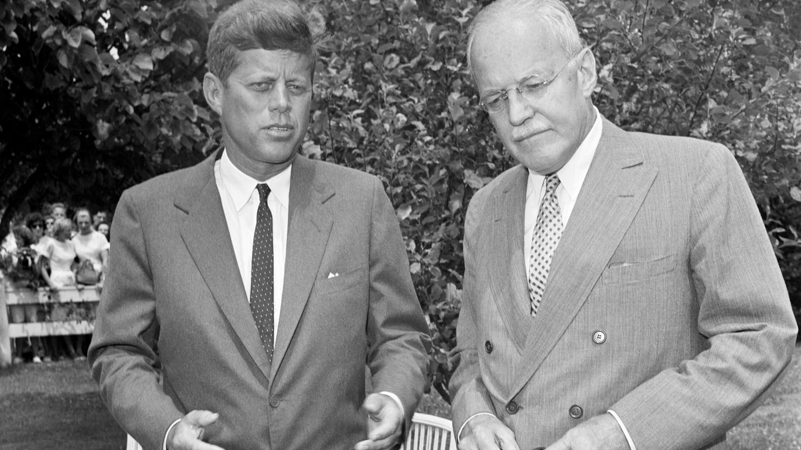 Kennedy ja Dulles
