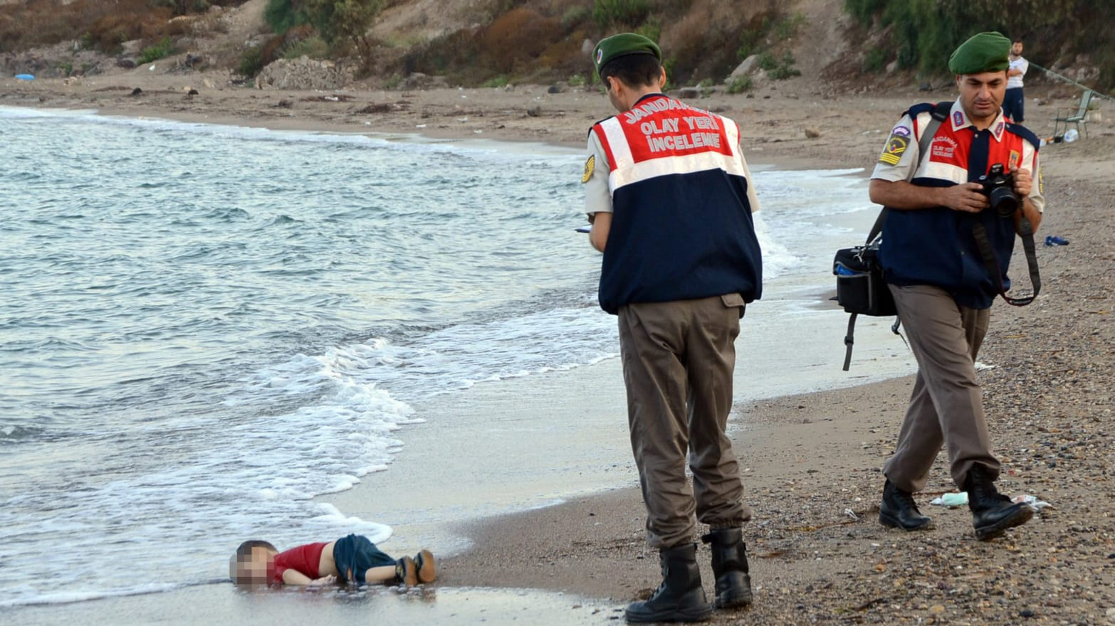 You Might As Well Ignore #KiyiyaVuranInsanlik and the Photos of Dead Refugee Kids