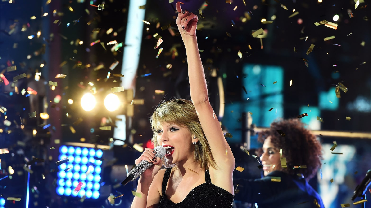 Watch Taylor Swift and Alanis Morissette's Killer 'You Oughta Know' Duet