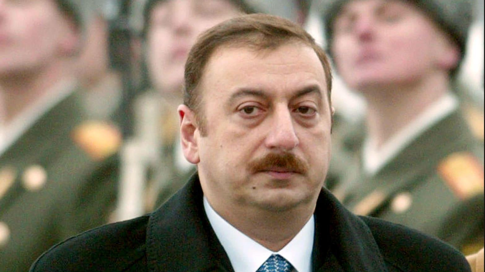 What to wear in azerbaijan