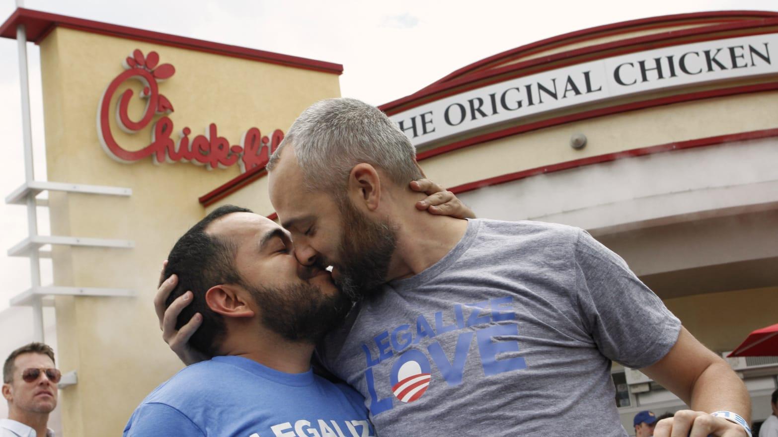 Boyfriend spank gay