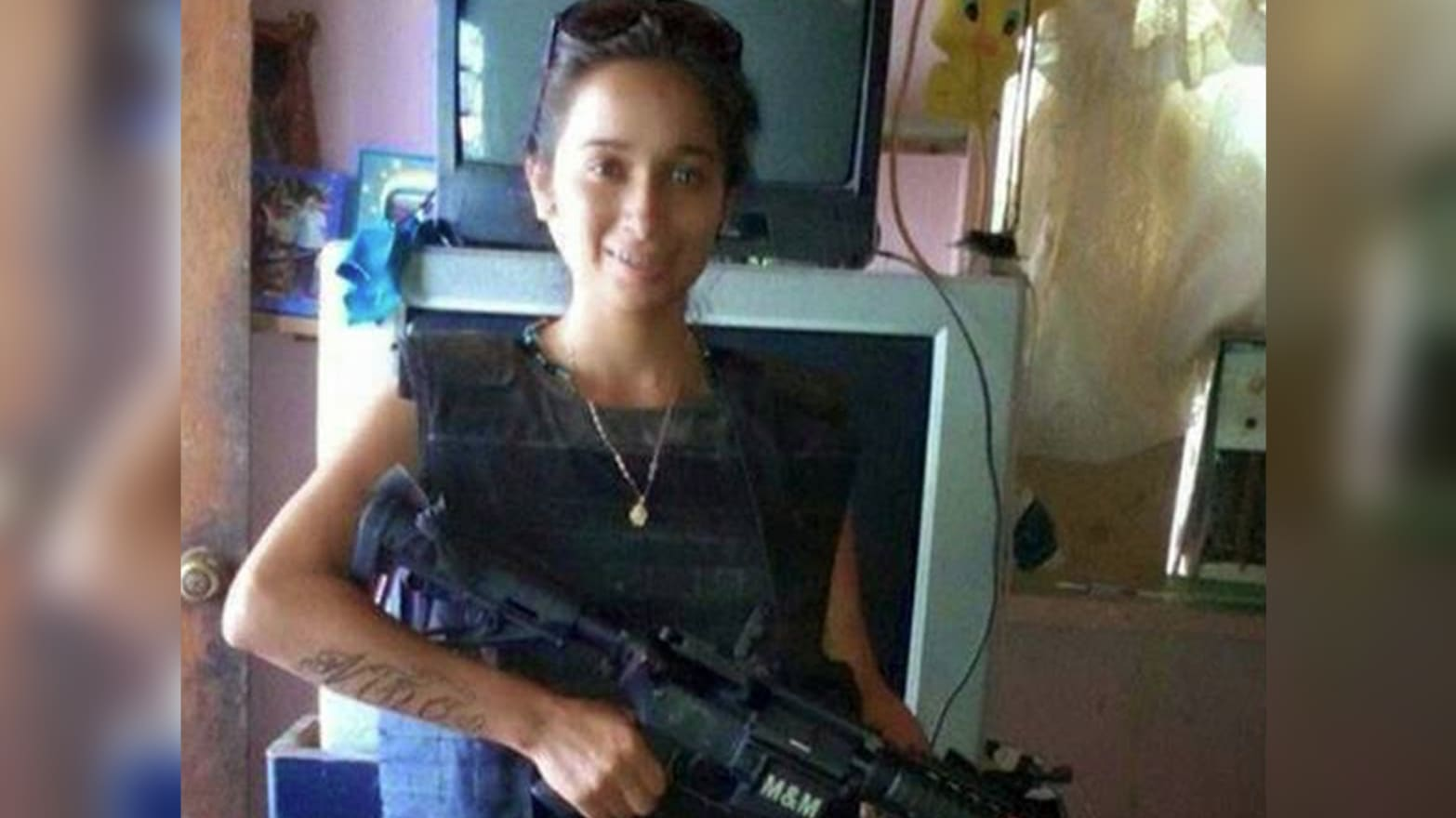 Curse of the Cartel's Skinny Hitwoman