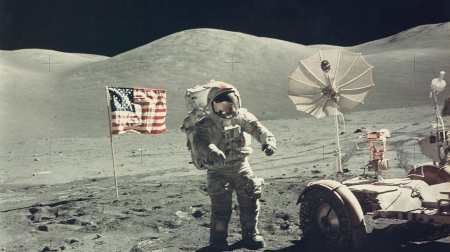 Secrets of The Space Race: Rare NASA Photos Hit the ...