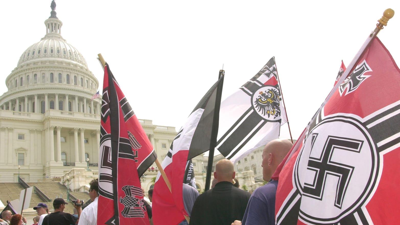 https://img.thedailybeast.com/image/upload/c_crop,d_placeholder_euli9k,h_1439,w_2560,x_0,y_0/dpr_1.5/c_limit,w_1044/fl_lossy,q_auto/v1492189305/articles/2014/01/30/should-neo-nazis-be-allowed-free-speech/140130-rosenbaum-neo-nazi-tease_tjcng3