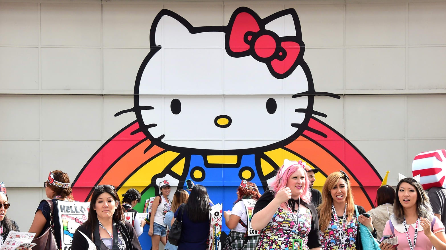 304fdb5d7 Explosion of Cute: Inside the Superfan Mania of Hello Kitty Con 2014