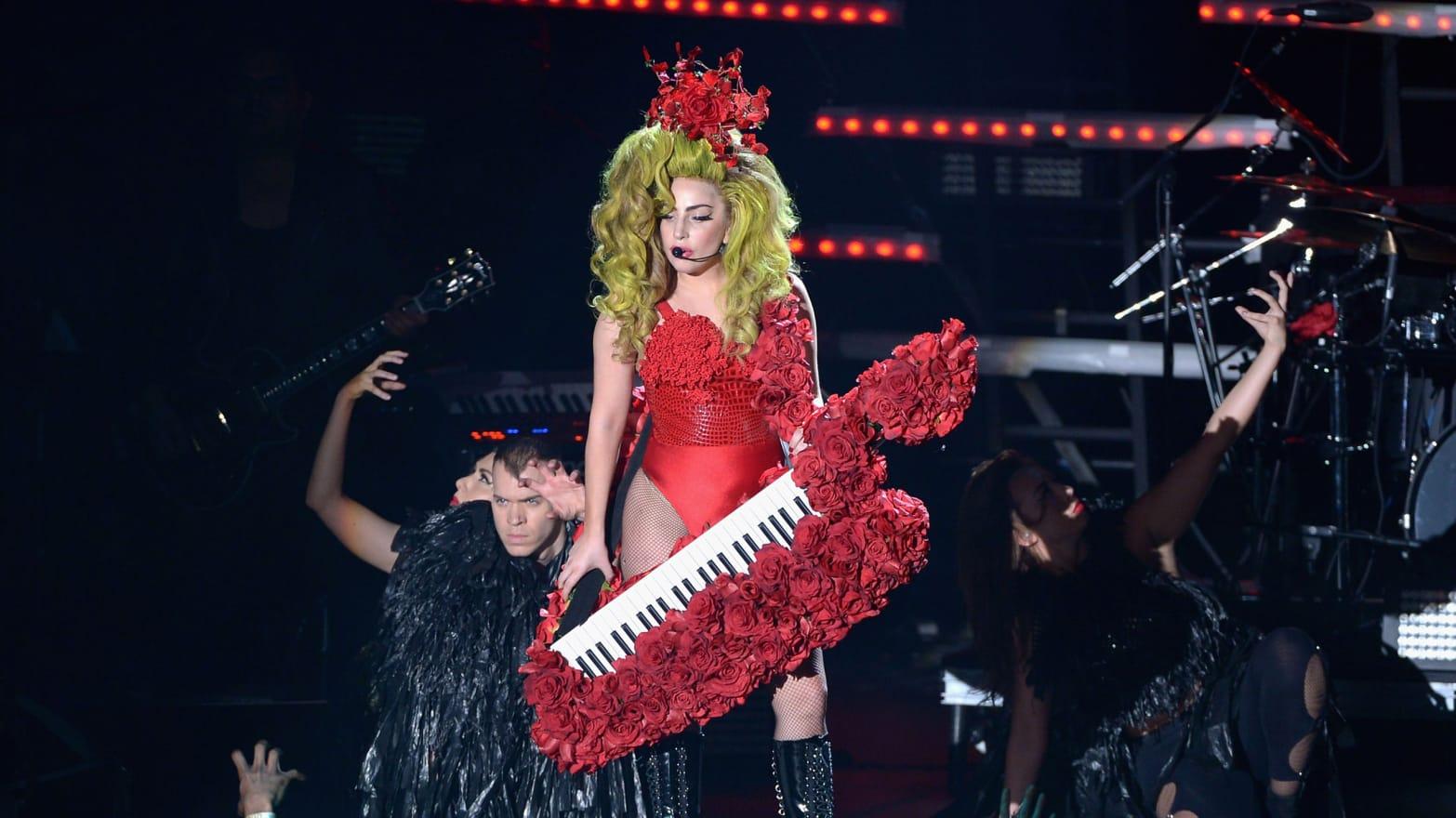 Paparazzi Photoshop Lady Gaga Photos