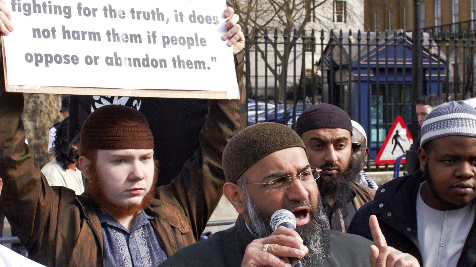 """""""Muslim patrol"""" incidents in London"""