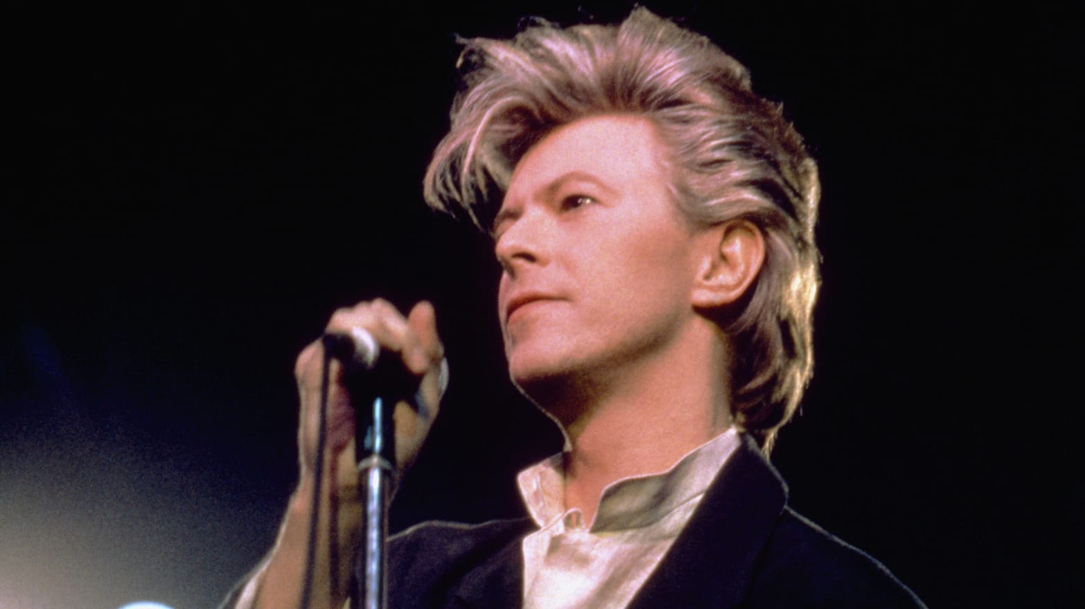 Why David Bowie's Top 100 Books List Had Only 75 Books