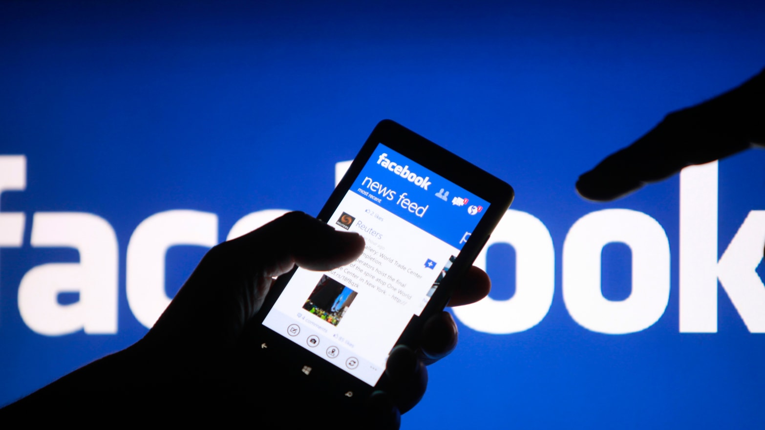 7 Hacks to Revolutionize Your Facebook Experience