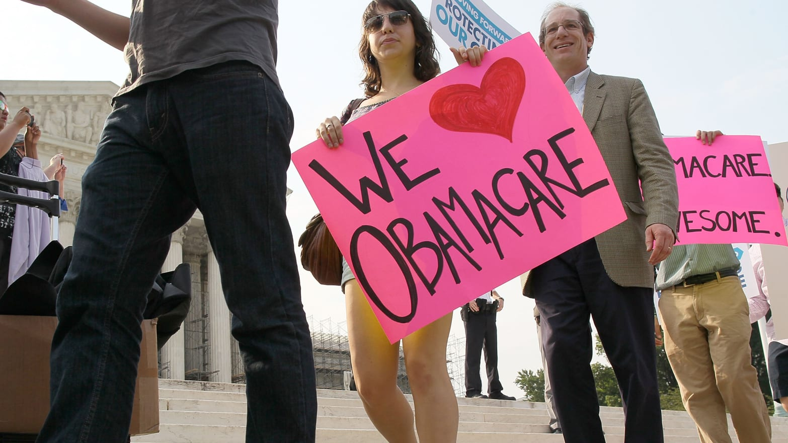 Obamacare Throws Lifeline to Young Adults Seeking Health ...