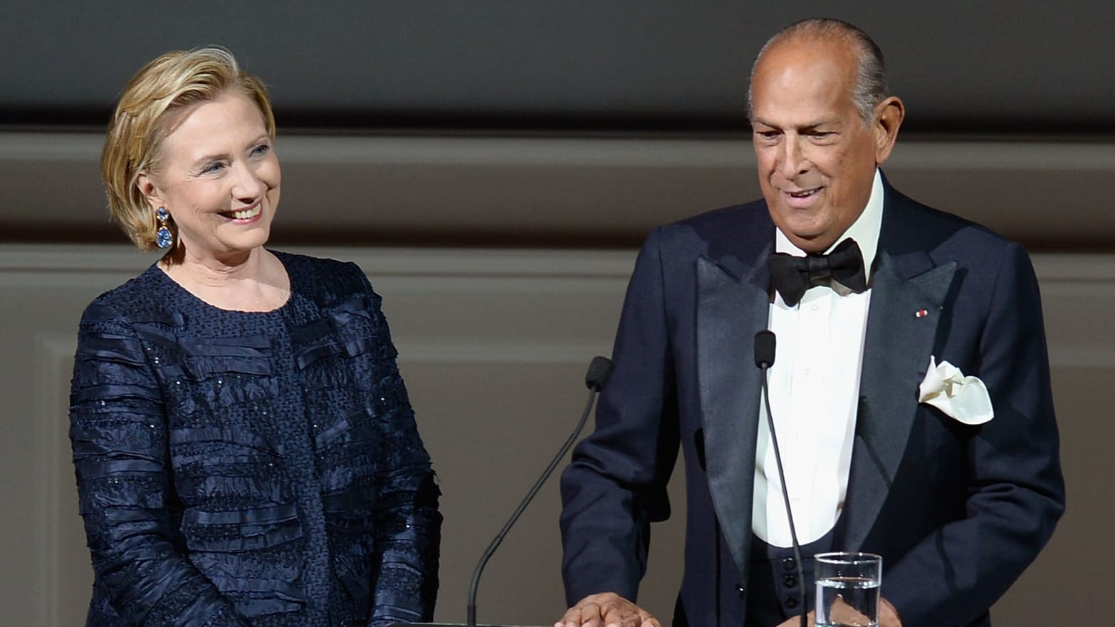 Cfda Awards Show Features Hillary Clinton Oscar De La Renta