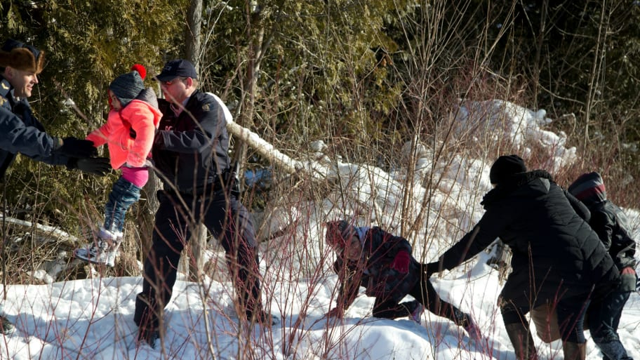 8 People Escape Border Patrol, Scramble Across into Canada