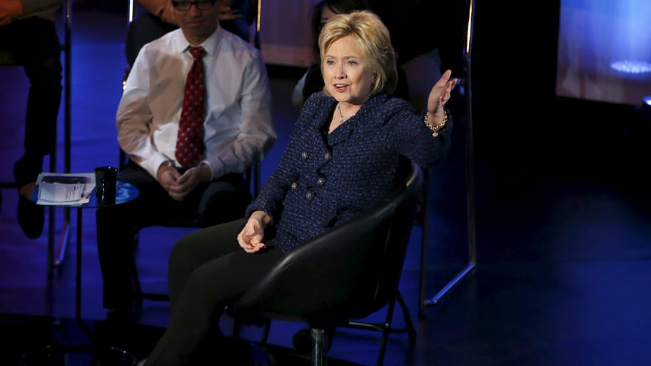 Poll: Hillary Barely Leads Bernie in Iowa