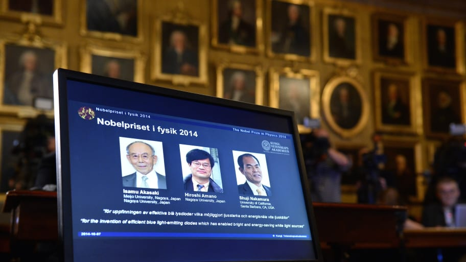 U S -Japan Team Wins Nobel for Physics