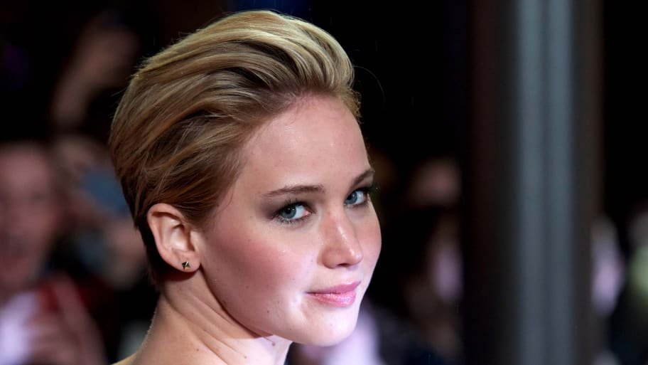 Jennifer Lawrence requests nude pics investigation - Daily