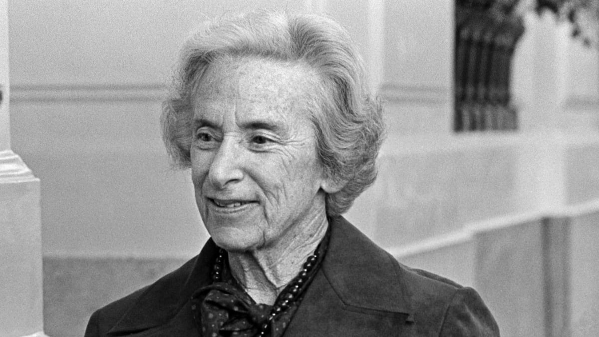 barbara tuchman black death essay Write an essay analyzing 'this is the end of the world': the black death, an excerpt from a distant mirror, to explain two or three reasons why you think barbara tuchman's writing is effective enough to attract a large popular readership.