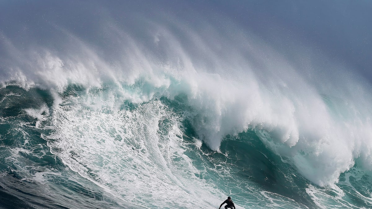Surf's Up! Awesome Big Wave Photos