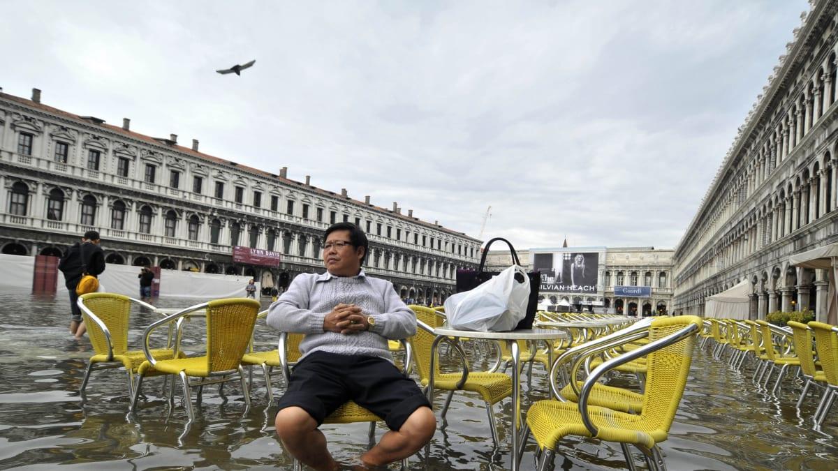 The Big Idea: How Tourism Can Destroy the Places We Love
