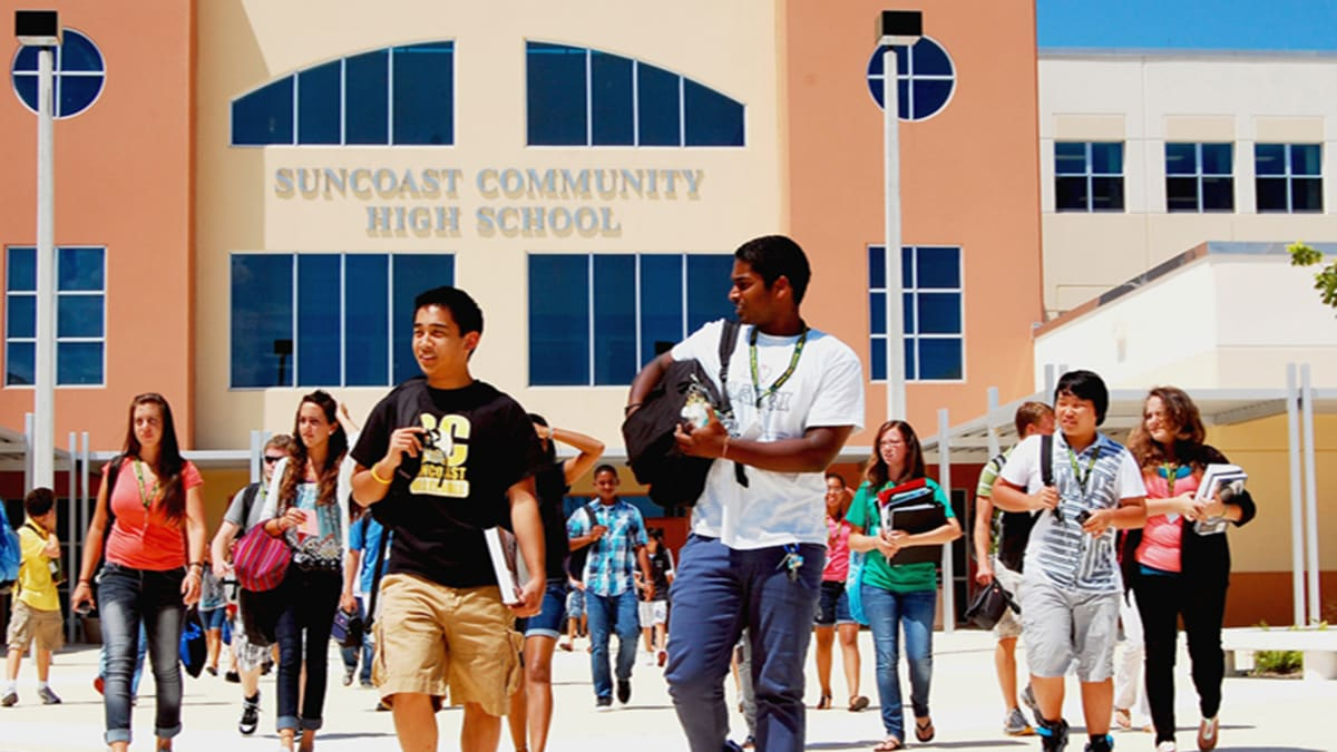 the primary purpose of a high school in the us The purpose of public education and the role of the school board national connection august 19, 2014 boards of education are uniquely positioned to provide leadership for exploring those differences, working.