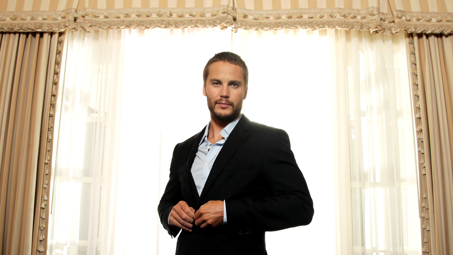 Lone Survivor\' Taylor Kitsch\'s Journey From Homelessness to ...