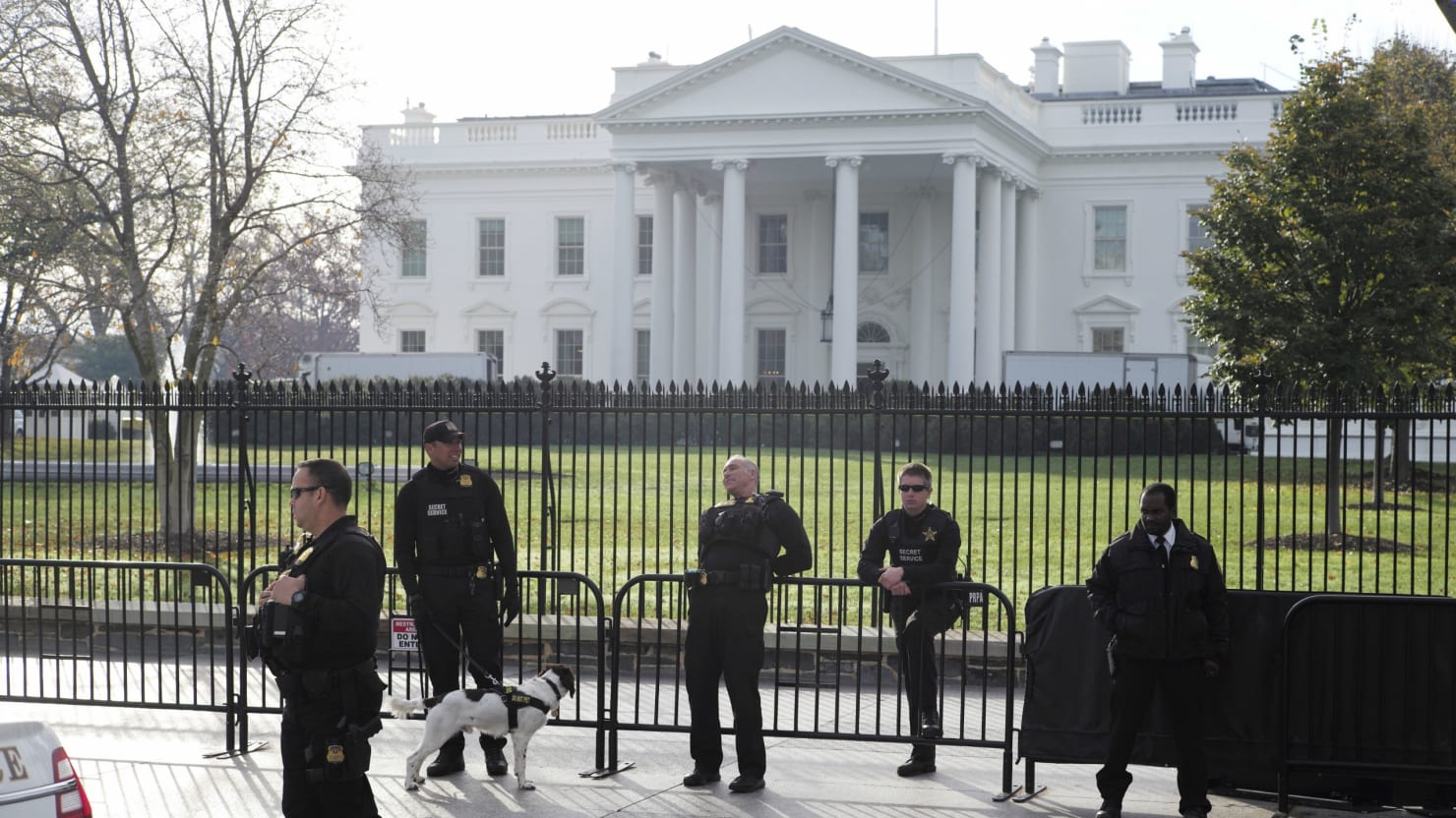 Second Chance Auto >> Police: Driver Arrested Near White House for Bomb Threat