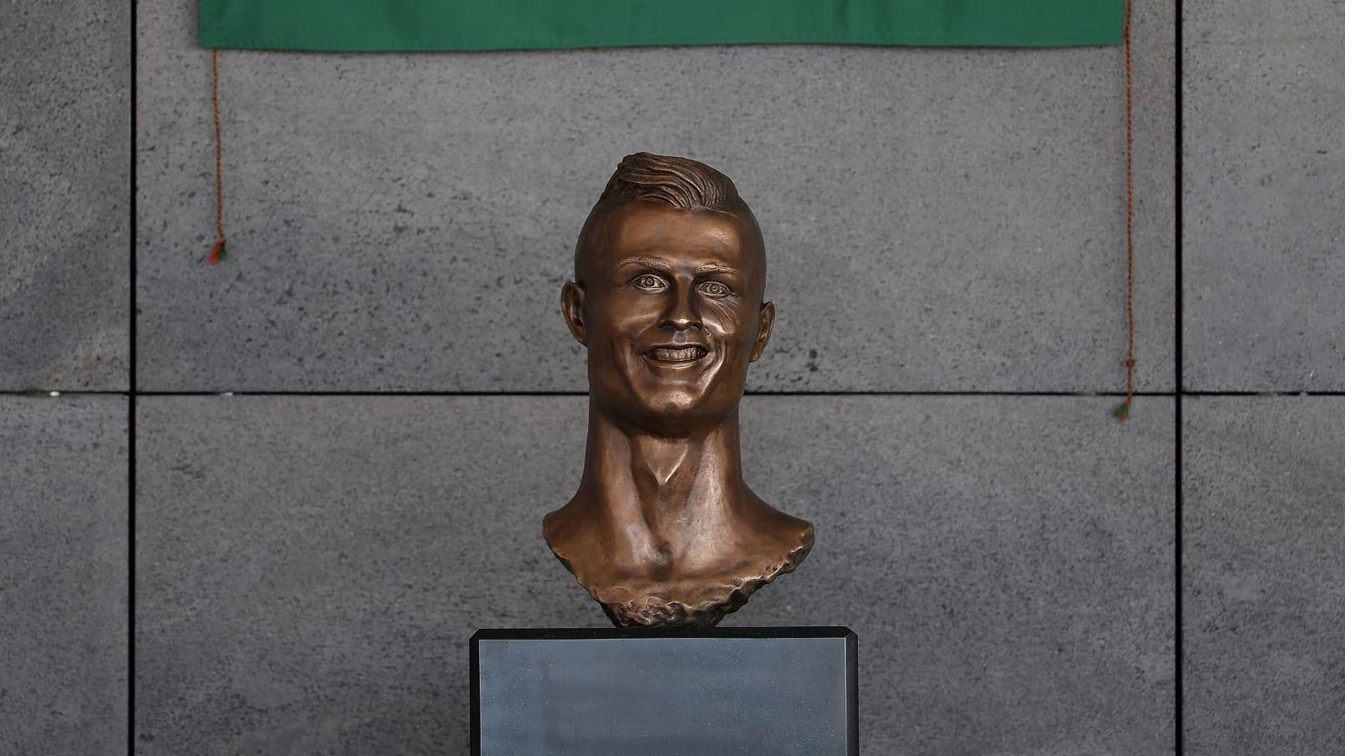 cristiano ronaldo u2019s statue will give you nightmares