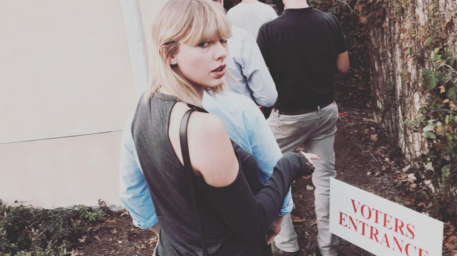 Half Jacket 2 0 >> Who Did Taylor Swift Vote For?