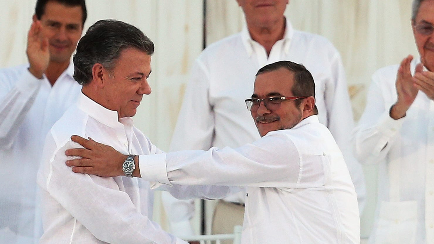 Colombia s nobel peace prize from bad to farce for Farcical how to say