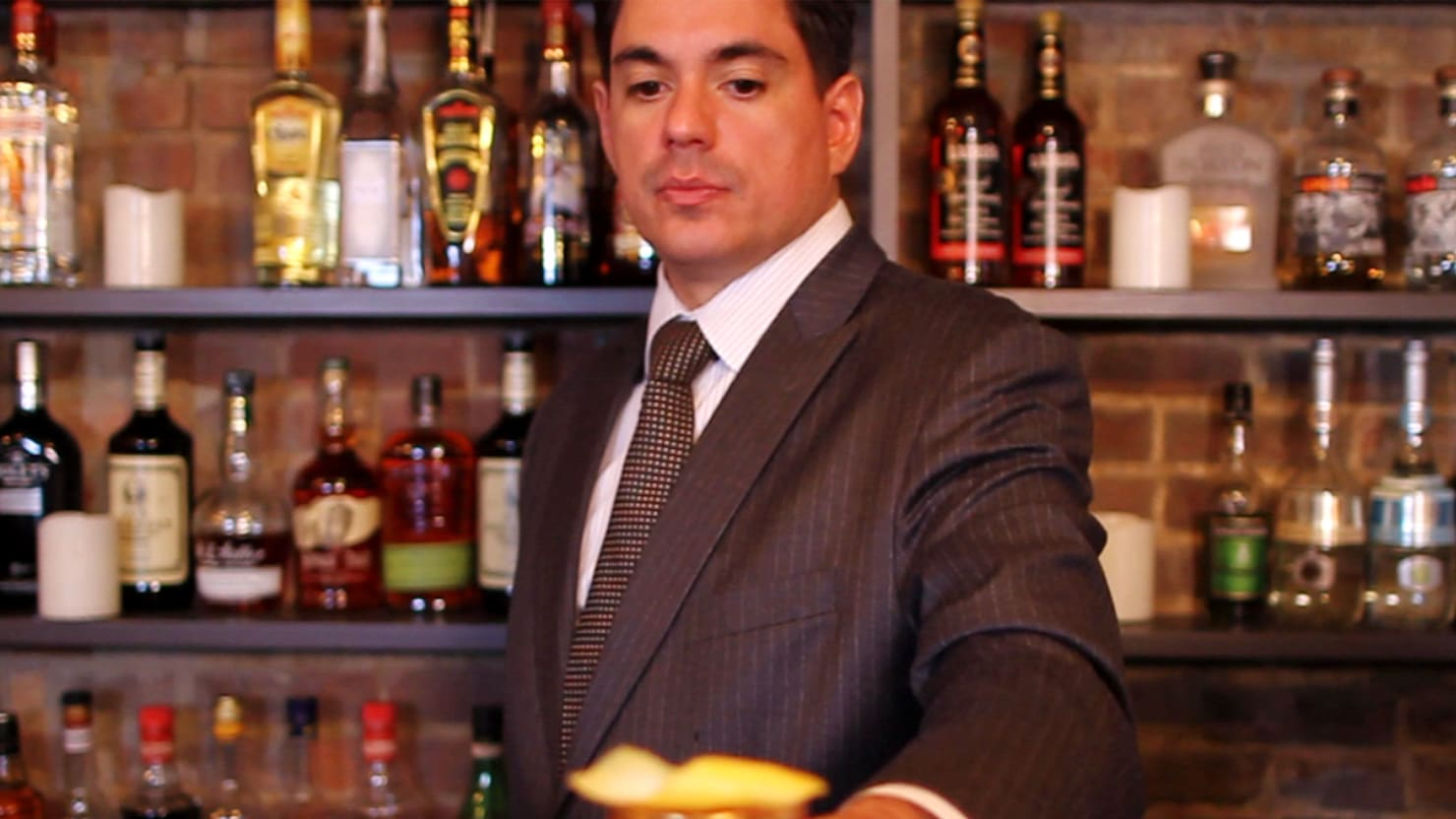Legendary Bartender Sasha Petraske's Home Cocktail Party Advice