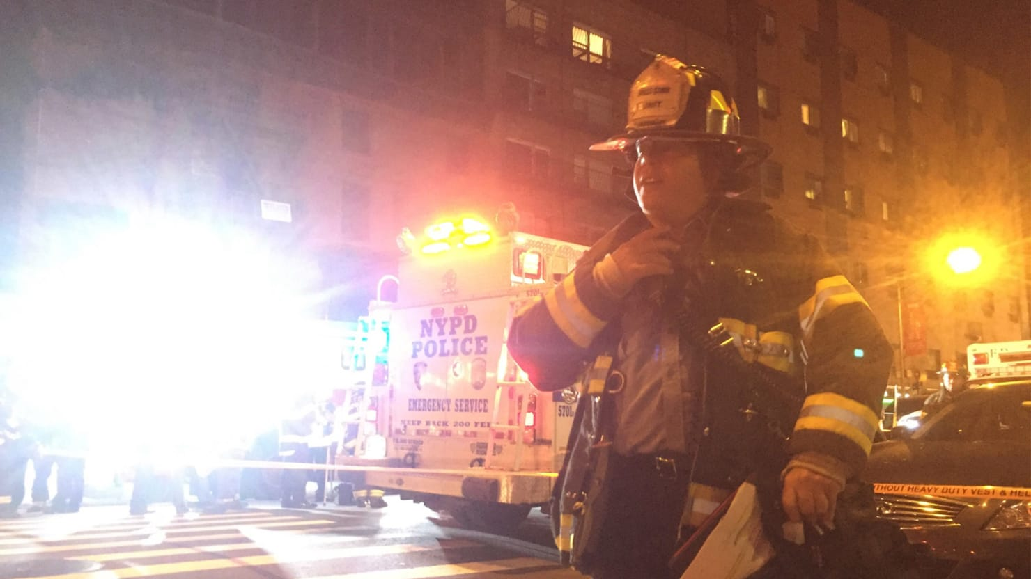 Manhattan Explosion Injures Dozens; Mayor Says It Appears to Be 'Intentional Act'